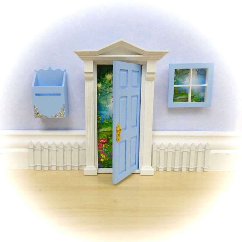 Blue Opening fairy door starter set