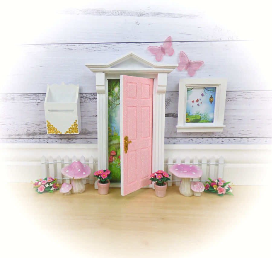 Peaches and cream glitter opening fairy door