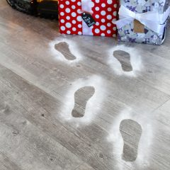 How to Make Santa Footprints